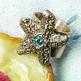 9923-001 Bronze ring decorated with a little starfish and a stone made to your size
